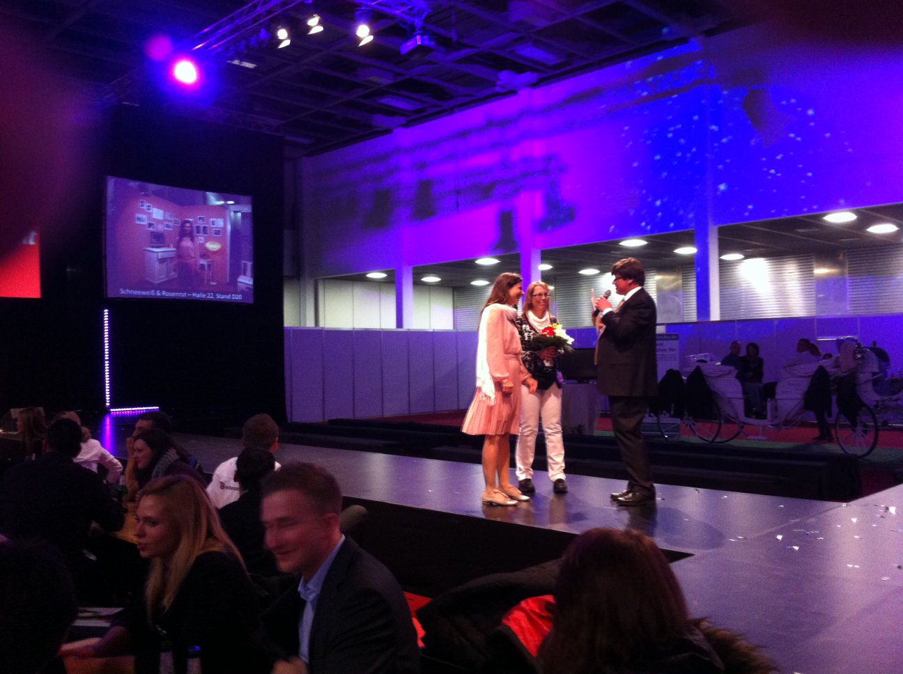 schneeweiß_und_rosenrot_Hochzeitsfotos_Hochzeitsreportage_Hochzeitsfotografie_Spreespeicher