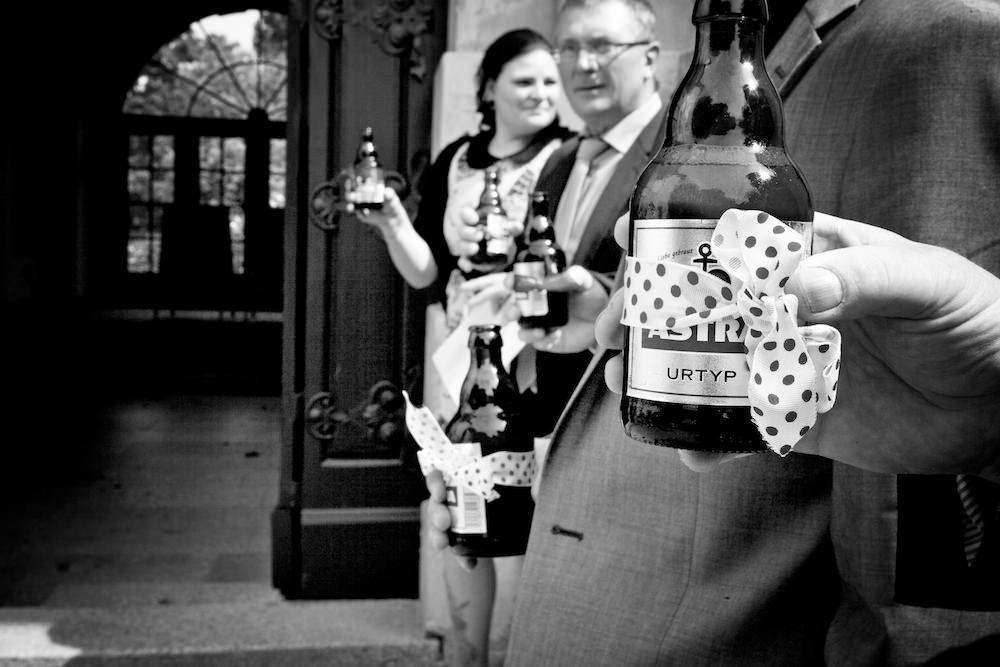 Schneeweiß_Rosenrot_Hochzeitsfoto_ Berlin_vintage_Landhochzeit_Fürst_Pückler (25)