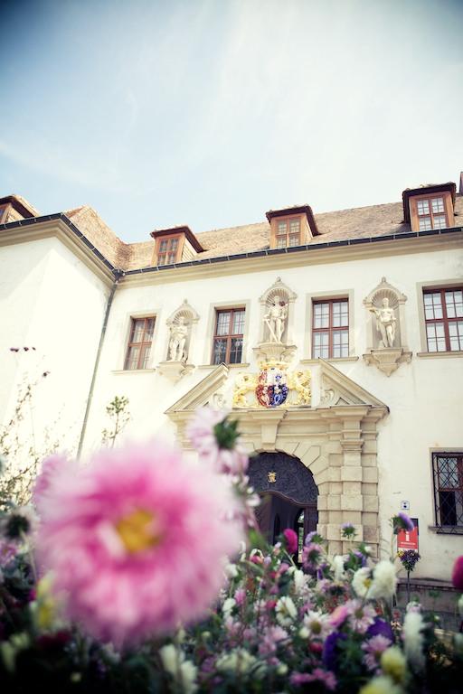 Schneeweiß_Rosenrot_Hochzeitsfoto_ Berlin_vintage_Landhochzeit_Fürst_Pückler (8)