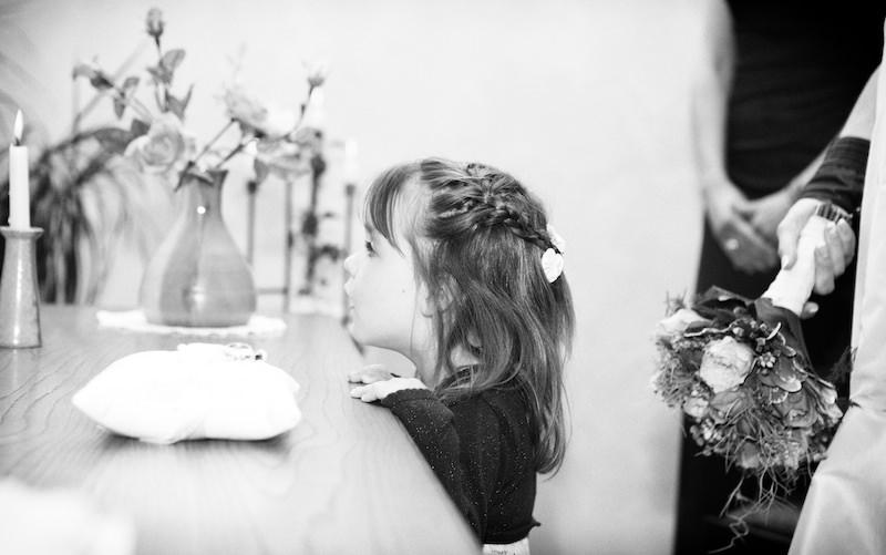 Hochzeitsreportage_Berlin_Hochzeitsfotos_Cafe_Wildau042